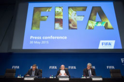 """Le Monde: """"La justice américaine, terreur du monde du sport"""""""