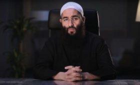 """Marianne: """"Le président de BarakaCity jugé pour cyberharcèlement contre Zineb El Rhazoui"""""""